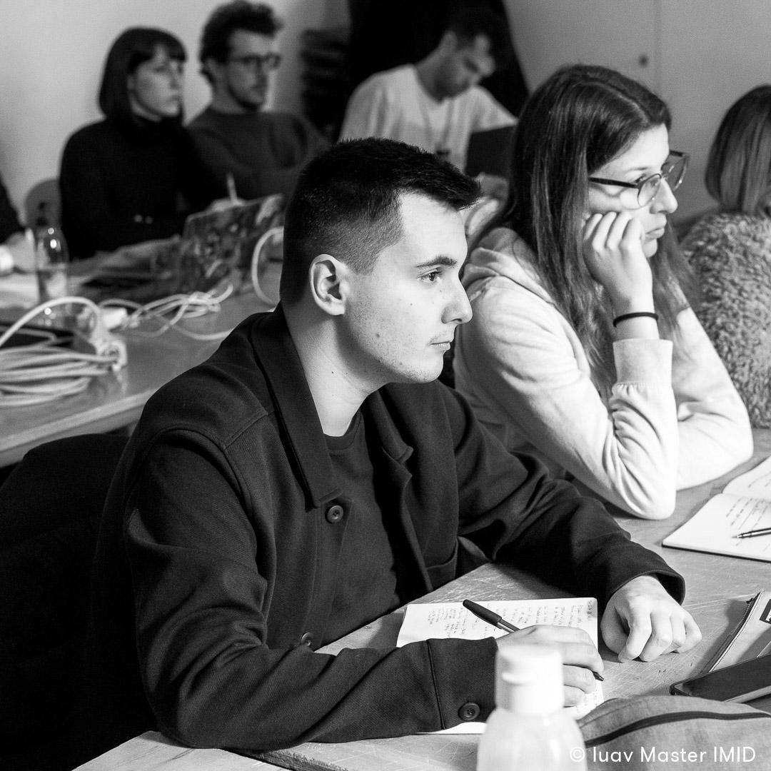 iuav master IMID teoria dell'immagine lezione studenti in aula