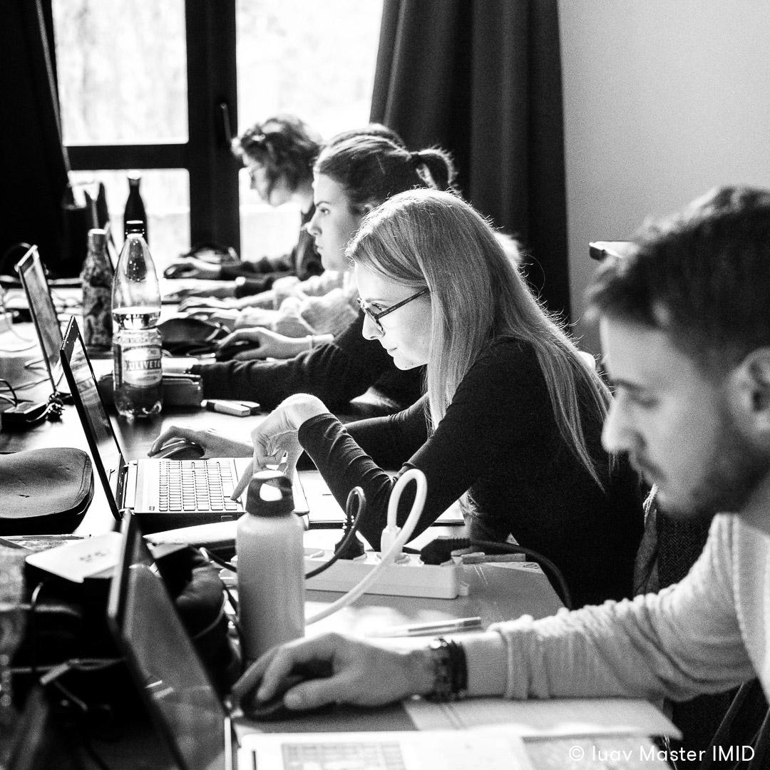 iuav master IMID esercitazione in aula rendering e post-produzione studenti